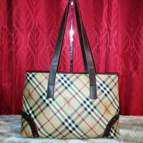 fb2b74532da8 Burberry Handbags - Burberry Haymarket Vintage Tote